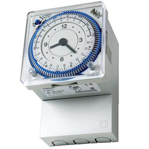 24 Hour 20 Amp Electro Mechanical Time Controller White
