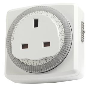 24 Hour Compact Plug-In Segment Time Controller White
