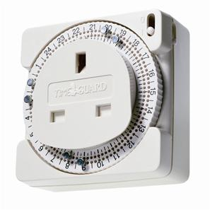 24 Hour Compact Plug-In Time Controller White