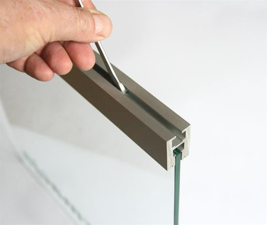 Glass Edge Surface Extrusion 2070mm Aluminium / Glass