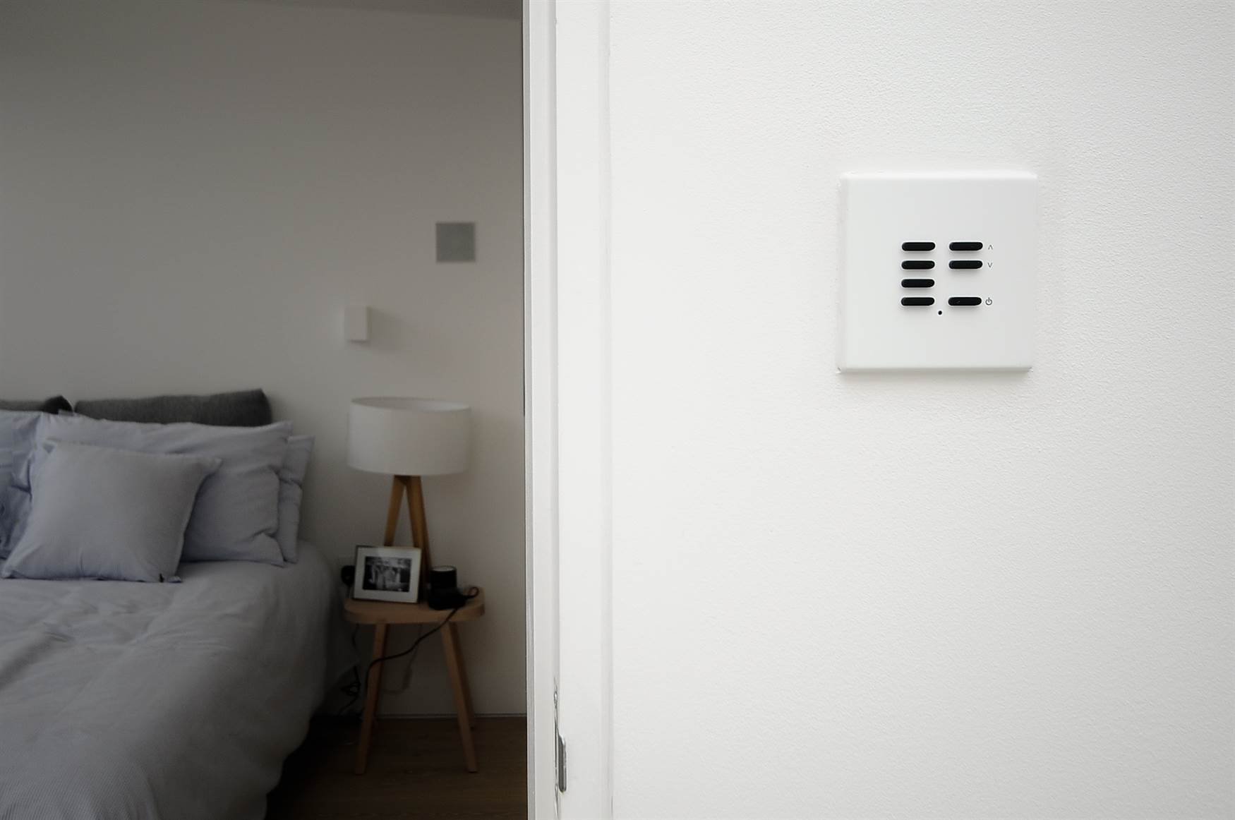7 button Wise Vogue switch in bedroom