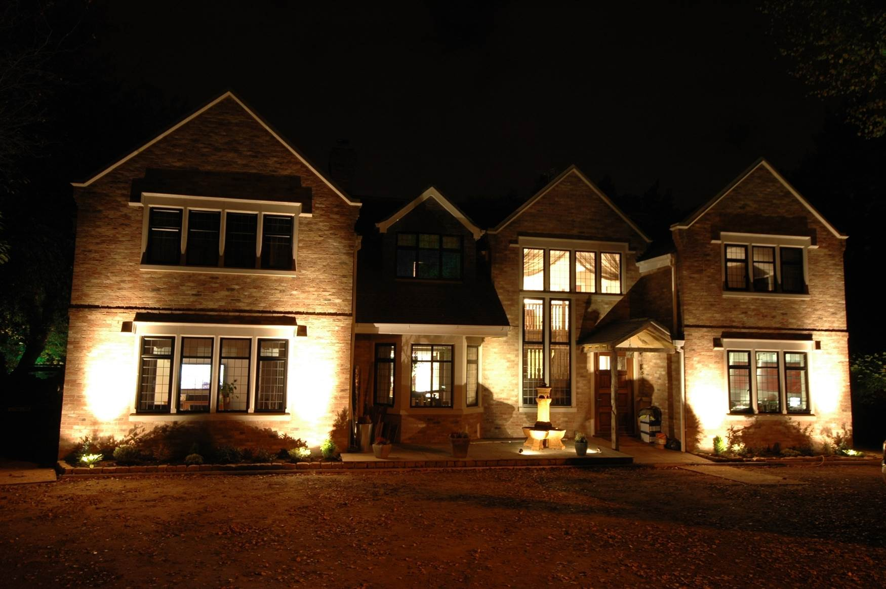 Mr resistor lighting Exterior accent lighting for home