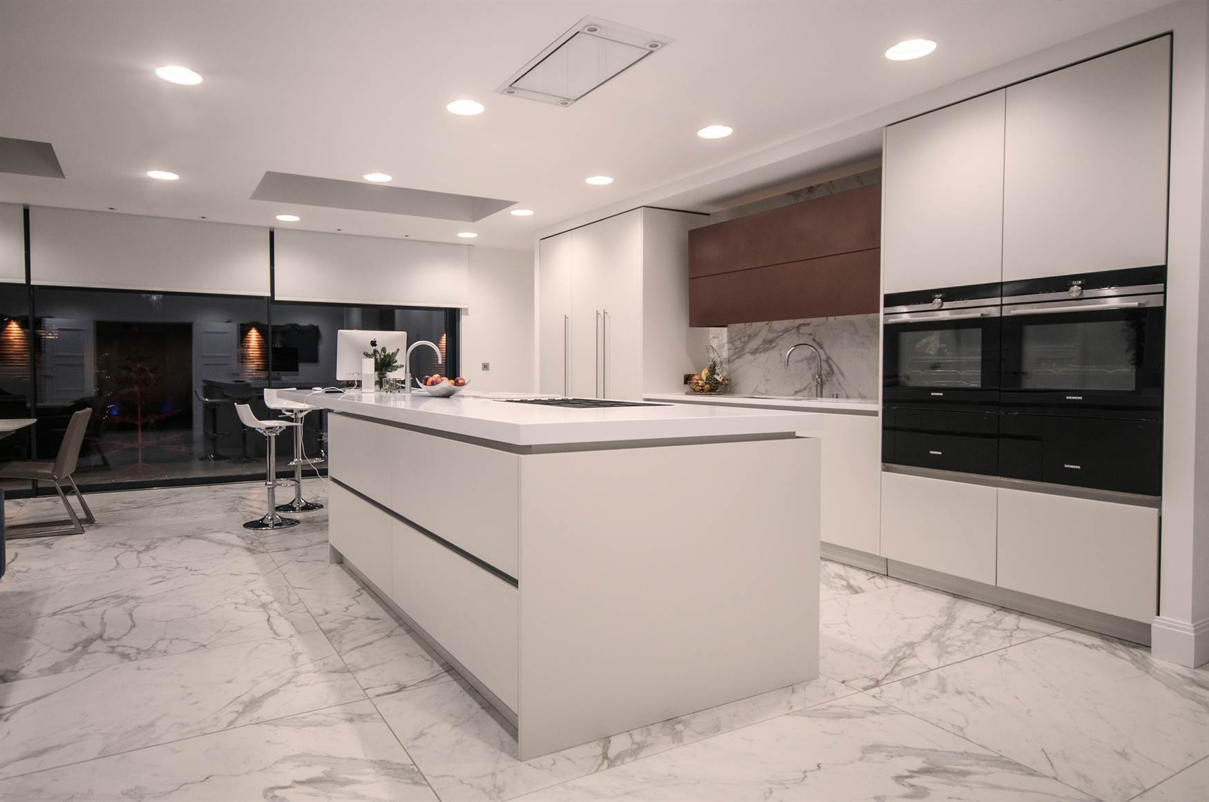 Kitchen island with adjustable plaster downlights and LED Dynamic White Module